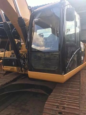 Escavadeira Hidraulica CAT 320 D2 - Foto 5