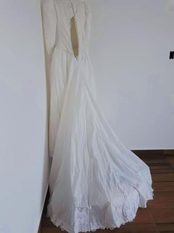 Vendo Vestido de Noiva - Grife de SP (nunca foi usado) - Foto 5