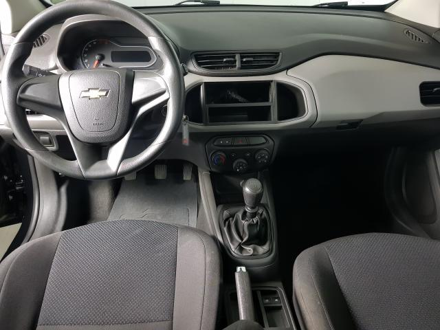 Chevrolet ONIX HATCH Joy 1.0 8V Flex 5p Mec. - Preto - 2017 - Foto 4