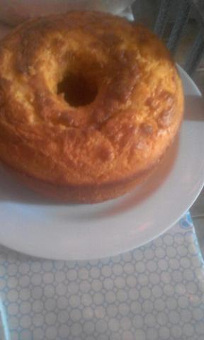 Bolos caseiros e pães de queijo