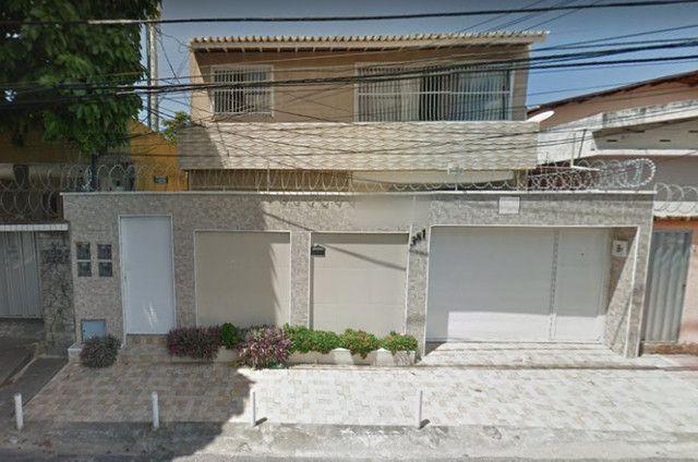 Casa com 04 Apartamentos na Parquelândia