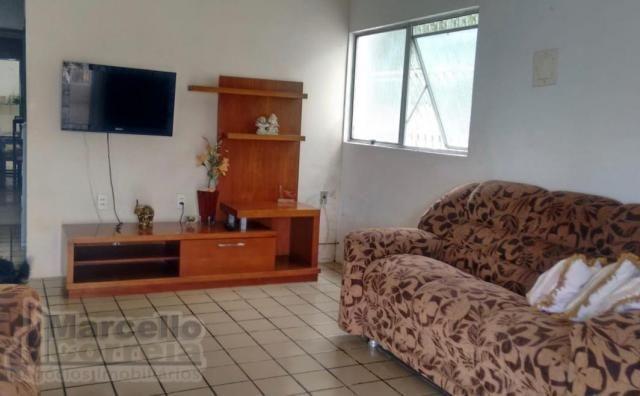 Casa com 5 Quartos à Venda, 360 m² por R$ 620.000 - Foto 9