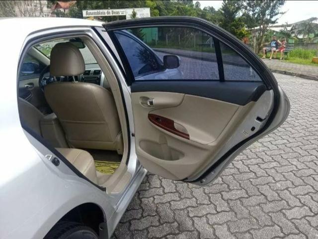 Toyota Corolla 2.0 16v Altis Flex Aut. 4p - Foto 6