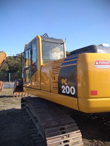 Escavadeira Hidráulica PC 200