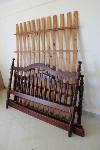 Cama de madeira tamanho Queen - Foto 2