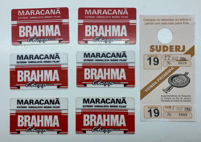 Maracanã -Cartões magnéticos usados como ingressos ao estádio .