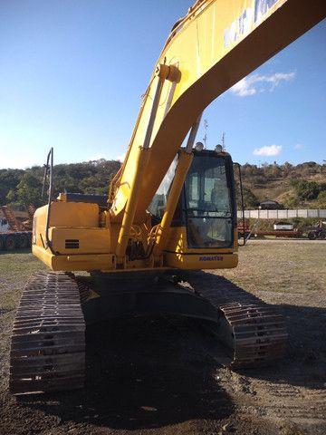 Escavadeira Hidráulica PC 200 - Foto 2
