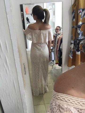 Vestido longo tomara-que-caia e rendado festa Karmani - Foto 2