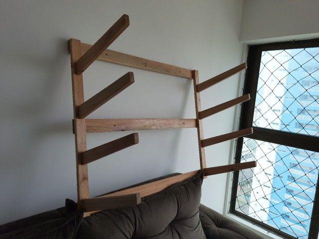 Vendo rack de parede para 4 pranchas  - Foto 2