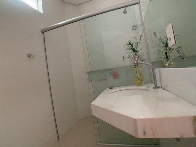 Casa linda e aconchegante com 4 suítes e localizada no Condomínio Laguna. - Foto 12