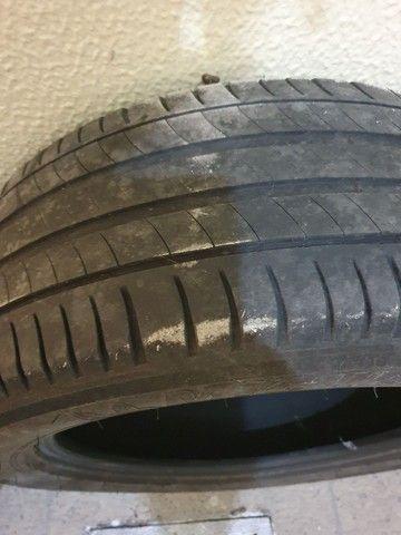 Par de pneus Michelin 215 55 17 - Foto 3