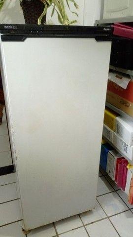 Freezer Vertical em ótimo estado de uso - Foto 2