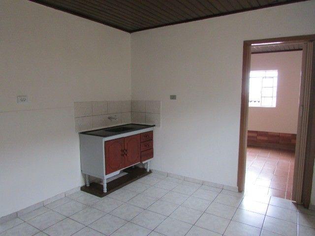 PrOpRieTáRiO aluga casa C/ Garagem + 1 Quarto + Sala + Etc, em Itaquera, Parque do Carmo - Foto 5