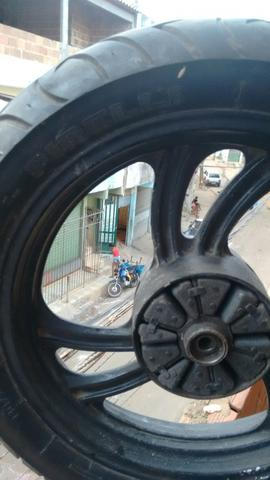 Roda com freio a disco , leia o anucio