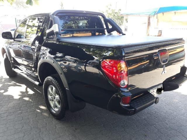 L 200, 4x4 preta, GLS à diesel, muito conservada, pneus em ótimo estado - Foto 6