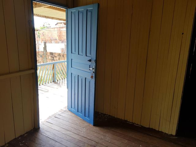 Vendo casa de Madeira placas - Foto 11