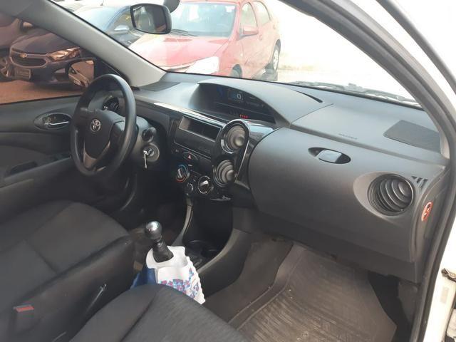 Etios Sedan X 1.5 Flex, completo, mecânico, cor branco - Foto 7
