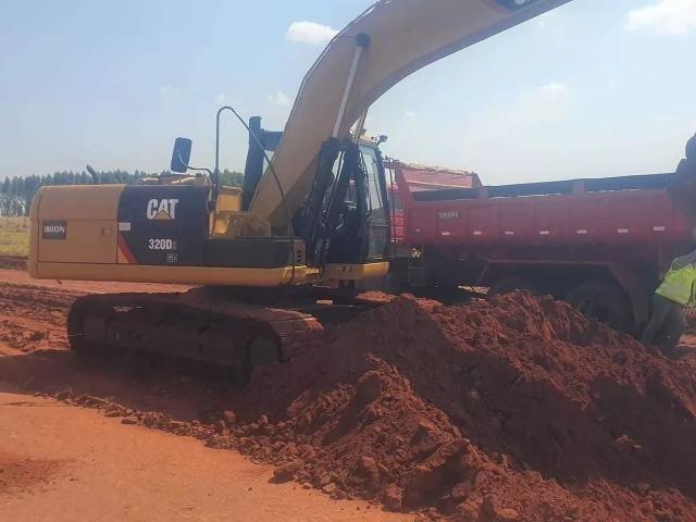 Escavadeira Hidraulica CAT 320 D2 - Foto 2