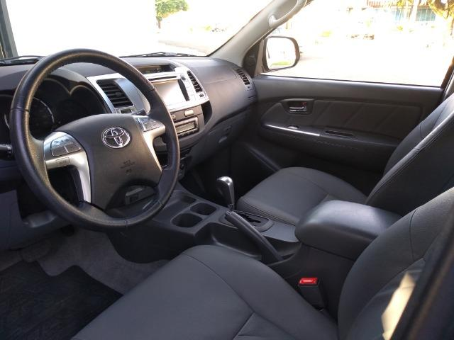 Toyota Hilux CD Srv 4x2 2.7 Flex Aut - Foto 6