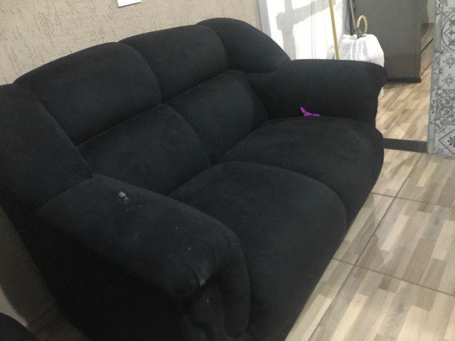 Vende-se dois sofás e uma poltrona  - Foto 2
