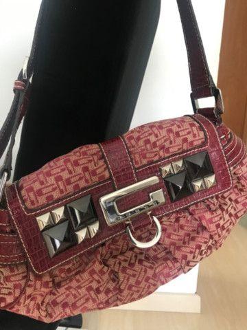 Vendo bolsa Guess vermelha original - Foto 4