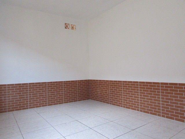 PrOpRieTáRiO aluga casa C/ Garagem + 1 Quarto + Sala + Etc, em Itaquera, Parque do Carmo - Foto 8