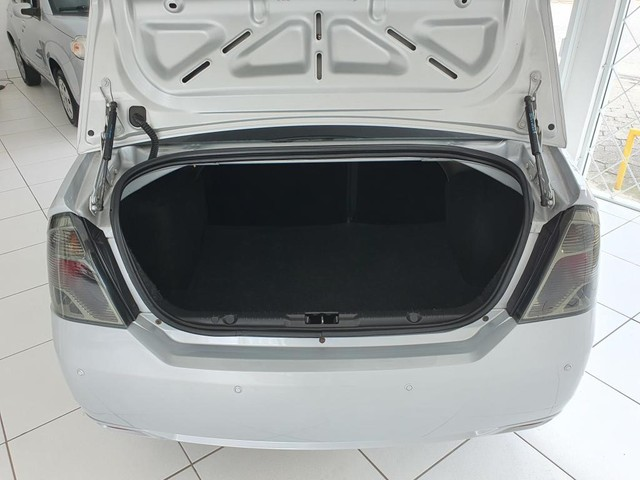 Fiesta Sedan 1.6 2014 - 68.000KM - Foto 11