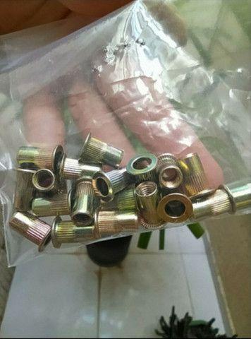 Porcas rebites de rosca interna 5mm - 19 peças