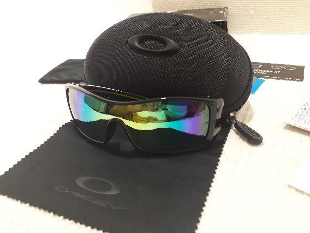 5369bf313bd83 Óculos Oakley Batwolf Valentino Rossi VR46 Matte Black Safira Polarizado -  Importado
