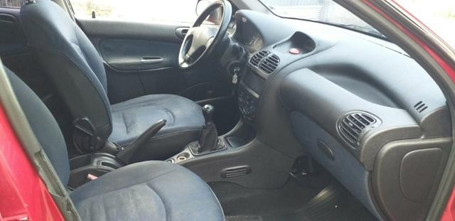 Peugeot 206 Completo 4 portas Financie com score baixo - Foto 2