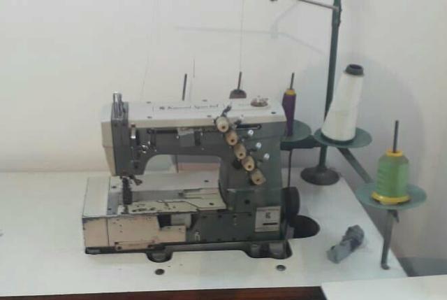 Máquinas de costura Reta industrial e overloque 5 fios industrial