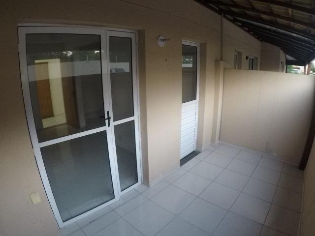 E.R-Apartamento com 2 quartos com quintal perto da praia de Manguinhos - Foto 3