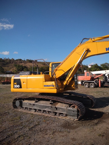 Escavadeira Hidráulica PC 200 - Foto 4