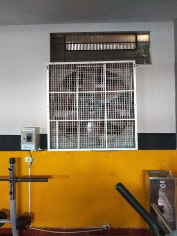 Maquinas de musculação usadas e um climatizador Clima Brisa - Foto 2
