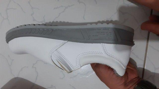 Bota branca n°40 profissional em couro - Foto 3
