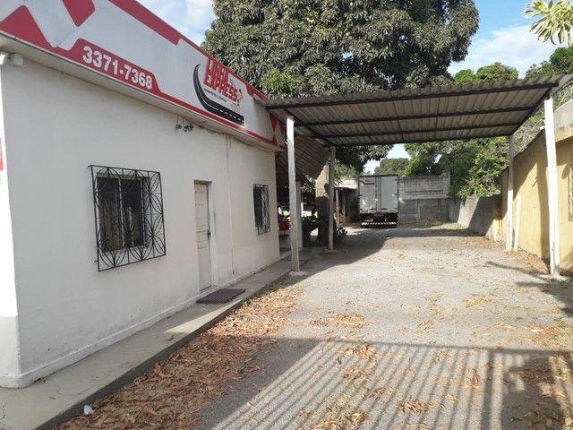 Alugo casa no bairro Shell para fins comerciais - Foto 5
