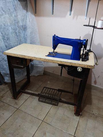 maquinas de costura  p/ tapeçaria  e  bomba p/ impermeabilizar tecidos  - Foto 2