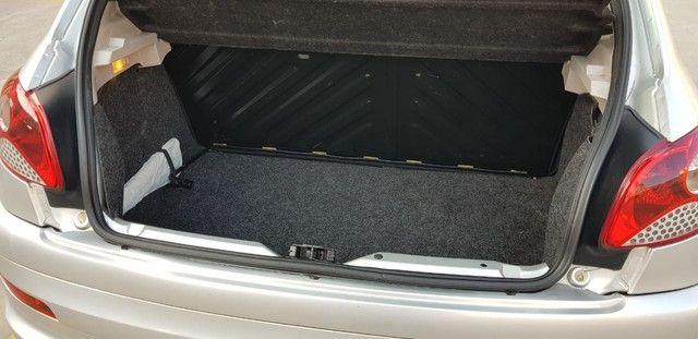Peugeot 207 Hatch XR 1.4 8V (flex) 4p - Foto 12