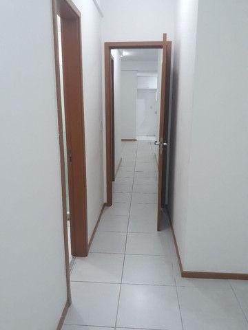 Maravilhoso apartamento 3qtos sendo um suíte  - Foto 9