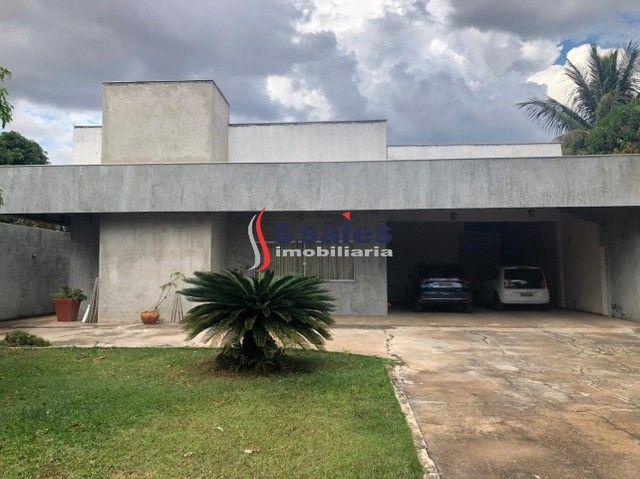 Casa na Rua 12 Dentro de Condomínio Fechado em Vicente Pires!!