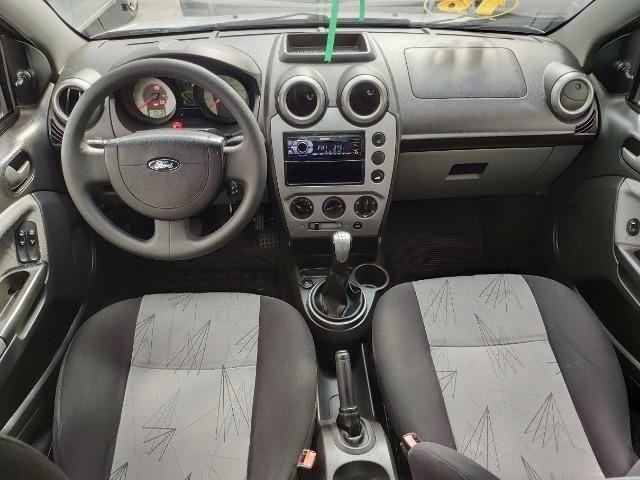 Ford Fiesta Hatch 1.6 Class Completo - Foto 6