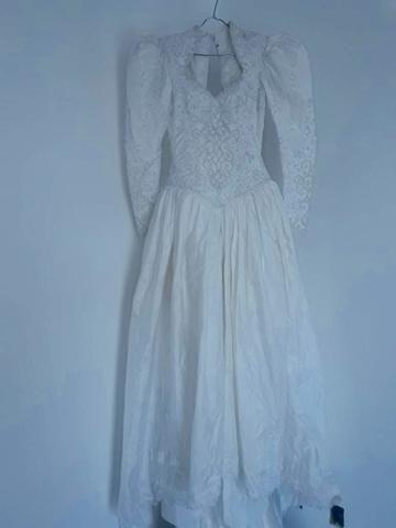 Vendo Vestido de Noiva - Grife de SP (nunca foi usado)