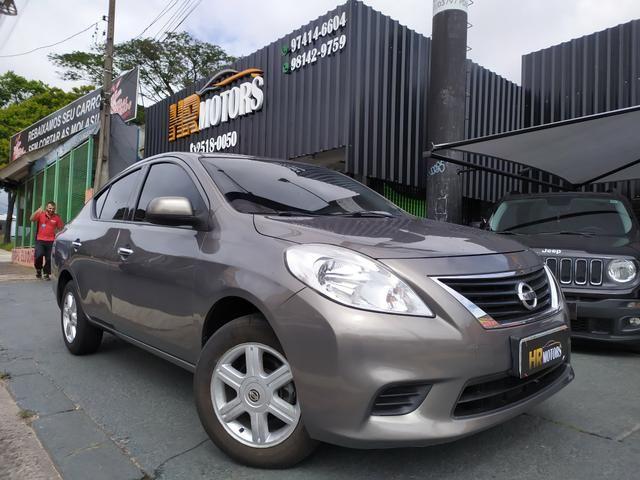 Nissan Versa 1.6 flex 2013