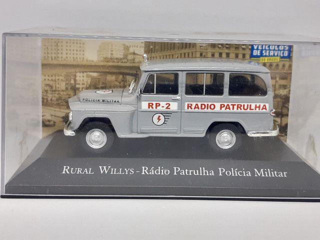 Miniatura rural Willys rádio patrulha
