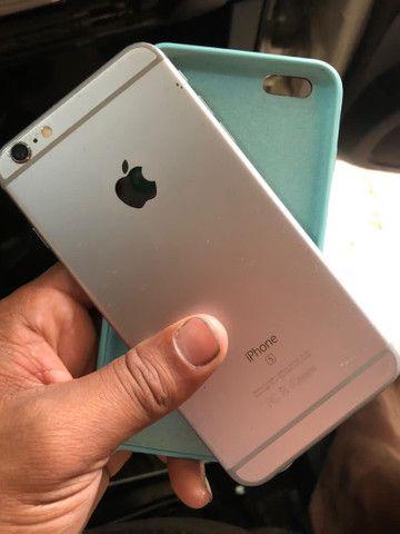 iPhone 6s Plus 16 gigas com capa e cabo USB botão home não funciona e com tricô na tela  - Foto 2