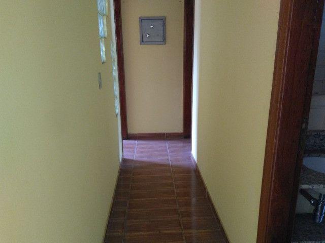 Ótima localização, 1 suíte + 2* quartos, armários planejados, AC, sala ampla - Foto 6
