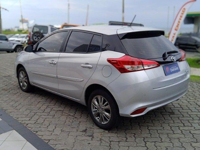 Toyota Yaris 2021 com 17.000km muito novo! - Foto 6