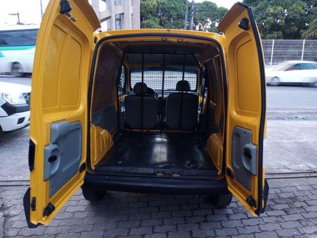 Kangoo 1.6 Furgão/Baú m2013 Completo Porta Lateral Impecável Financio! Melhor q Fiorino - Foto 6