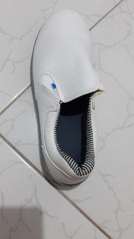 Bota branca n°40 profissional em couro - Foto 5