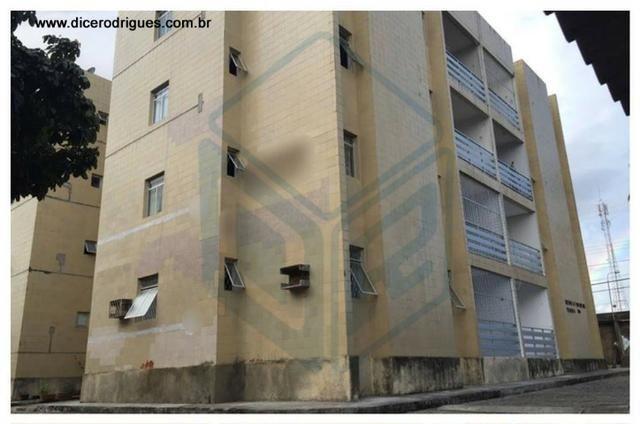 Apartamento com 3 Quartos no Bairro do Catolé (Condomínio Incluso)